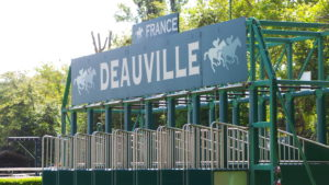 DEAUVILLE-visiter-Deauville-Plage-Planches-Luxe-Normandie-Normandy-copyright-Go-with-the-Blog-20160725_144311