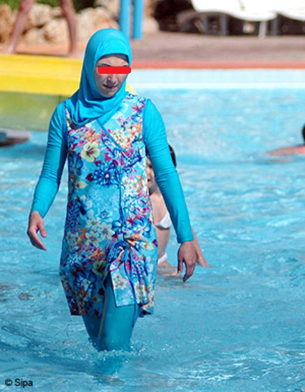 Ibis D El Jadida Ouvre La Voie Les Burkinis Interdits Dans Plusieurs Piscines Au Maroc Eljadida Scoop