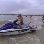 Sidi Bouzid : Un jet-ski heurte un jeune homme